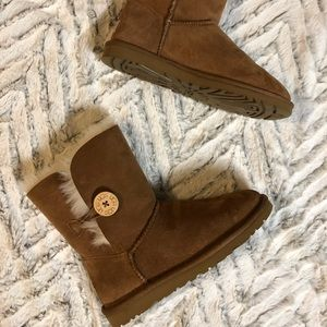 New in box UGG Australia Bailey Button Booties